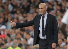 HLV Zidane nhận được lời động viên từ người đặc biệt