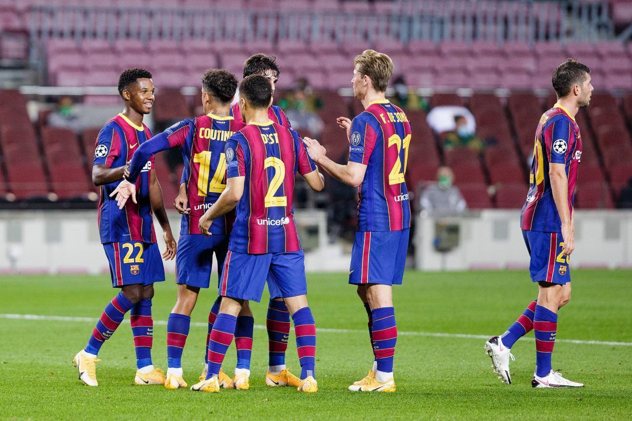 Truoctrandau đưa tin: Koeman bất ngờ khẳng định tương lai của Barca